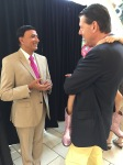 Dr. Maharaj Speaks with Fan after Dr. Oz Wellness Presentation at the Gardens Mall in Palm Beach Gardens